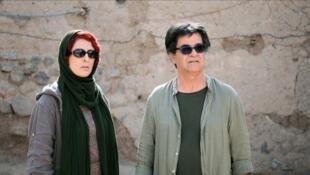 Behnaz Jafari et Jafar Panahi dans « Trois Visages », film de Jafar Panahi, en lice pour la Palme d'or.