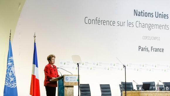 A catástrofe ambiental de Mariana foi um dos temas abordados pela presidente brasileira Dilma Rousseff durante seu discurso na Conferência do Clima de Paris e na entrevista coletiva após a abertura do evento.