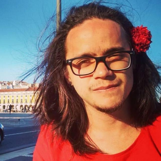 Leonardo de Barros é doutor em Literatura Portuguesa