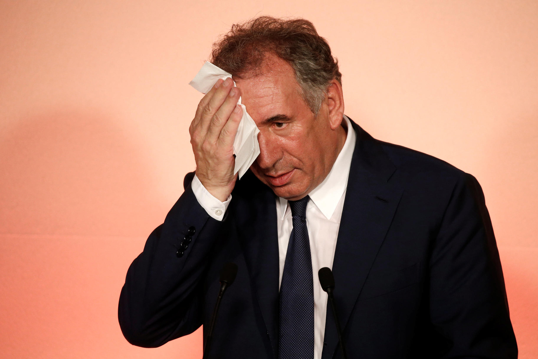 François Bayrou, até agora ministro da justiça, deixou o governo francês e vai ser substituído por Nicole Belloubet.