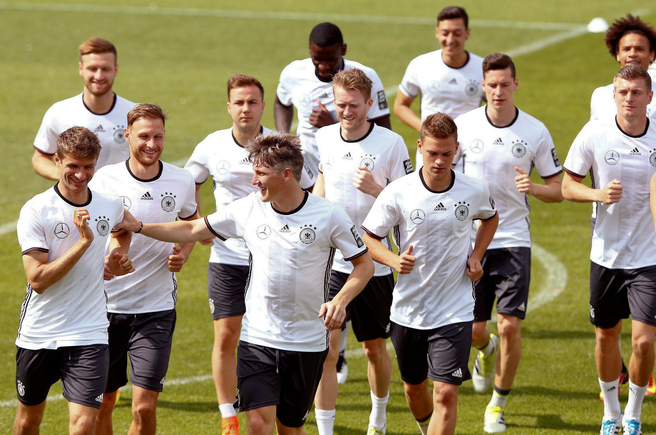 Đội hình đương kim vô địch thế giới Đức đến Pháp hy vọng chinh phục ngôi vô địch châu Âu 2016.