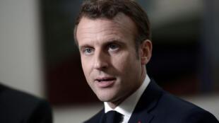 Le président français Emmanuel Macron donne une conférence de presse dans le cadre de sa visite à Biarritz, en prévision du prochain sommet du G7. Biarritz en France, le 17 mai 2019.