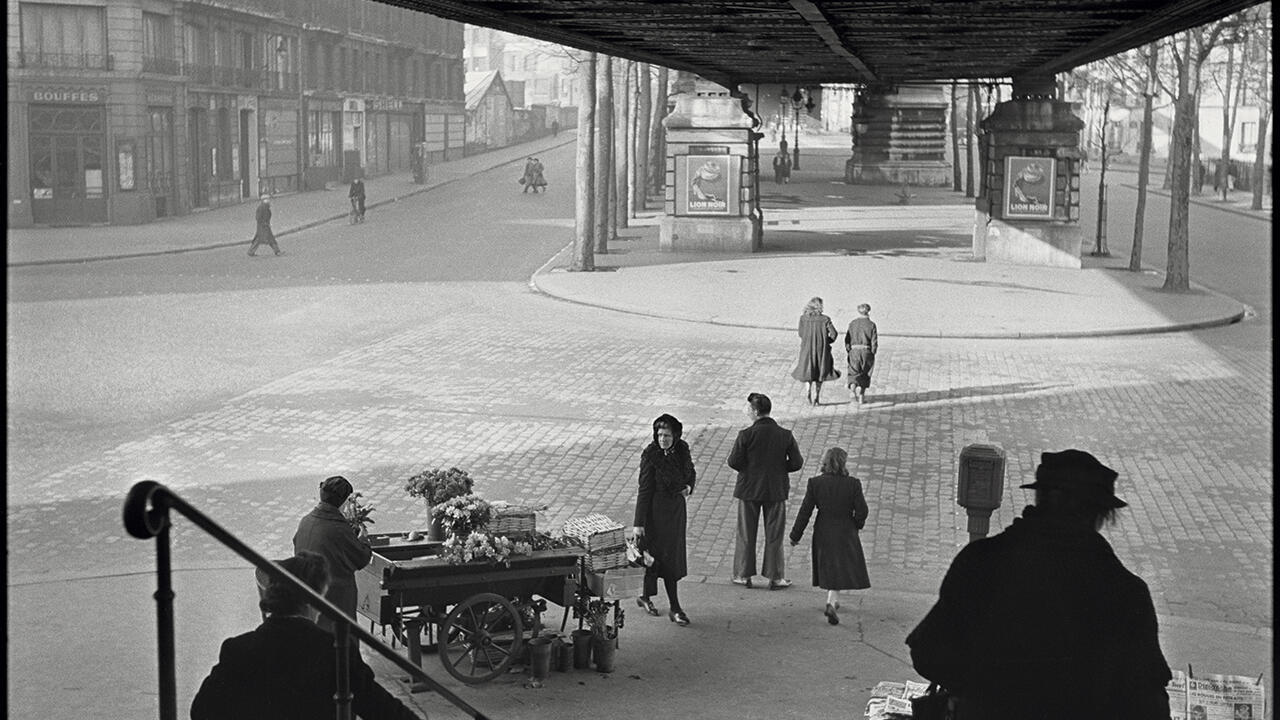 Под наземным метро, бульвар ля Шапель, 1951. Фрагмент.