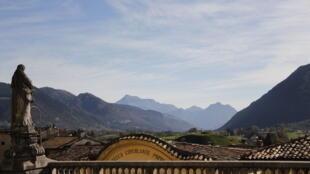 Clusone, commune italienne de la province de Bergame dans la région Lombardie, en Italie.