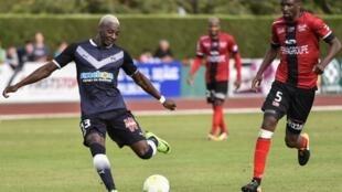 Les Sénégalais Younouss Sankharé et Moustapha Diallo, ici lors d'un match amical entre Bordeaux et Guingamp, ont marqué ce week-end en Ligue 1.