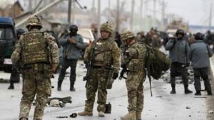 شهر کابل مرتبا مورد حملات انفجاری و انتحاری مخالفان مسلح دولت افغانستان قرار می گیرد.