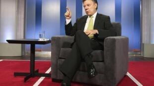 El presidente de Colombia Juan Manuel Santos durante una entrevista concedida a Reuters, en el palacio presidencial de Bogotá, el 8 de agosto de 2013.