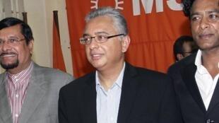 Le nouveau Premier ministre de Maurice Pravind Jugnauth, en 2011 à Port-Louis. Il était alors ministre des Finances.