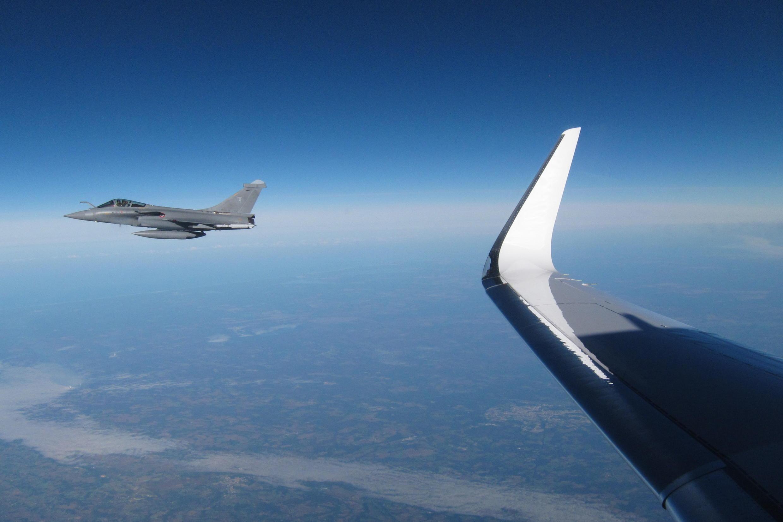 L'interception d'un avion civil Falcon par un Rafale, de l'armée de l'air dans le cadre de l'exercice «Circaète» 2013.