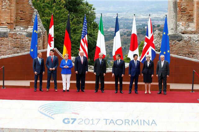 Lãnh đạo các nước G7 chụp hình với các lãnh đạo Liên Hiệp Châu Âu, Taormina, ngày 26/05/2017.