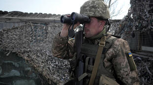 Ukrainian soldiers say little let-up in fighting along borders with Russia