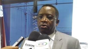 Alfred Nguia Banda, ex-cadre du PDG, lance son propre mouvement et un document plateforme pour la présidentielle de 2016 au Gabon.