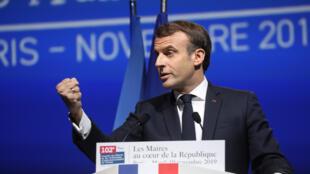 Le président français Emmanuel Macron lors du 102ème Congrès des maires à Paris, le 19 novembre 2019.