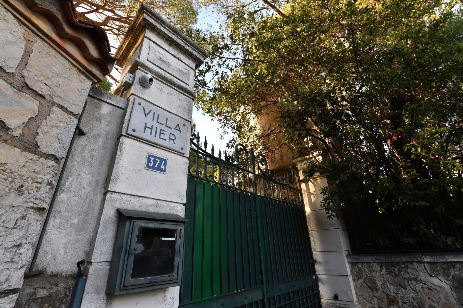 Hier — одна из вилл, купленная Сулейманом Керимовым на Лазурном берегу. Следствие полагает, что недвижимость покупалась по намеренно заниженной цене, чтобы уйти от налогов.