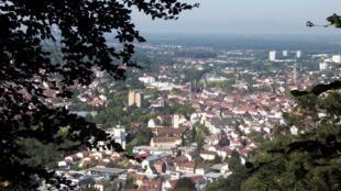 图为德国拉尔城远眺景