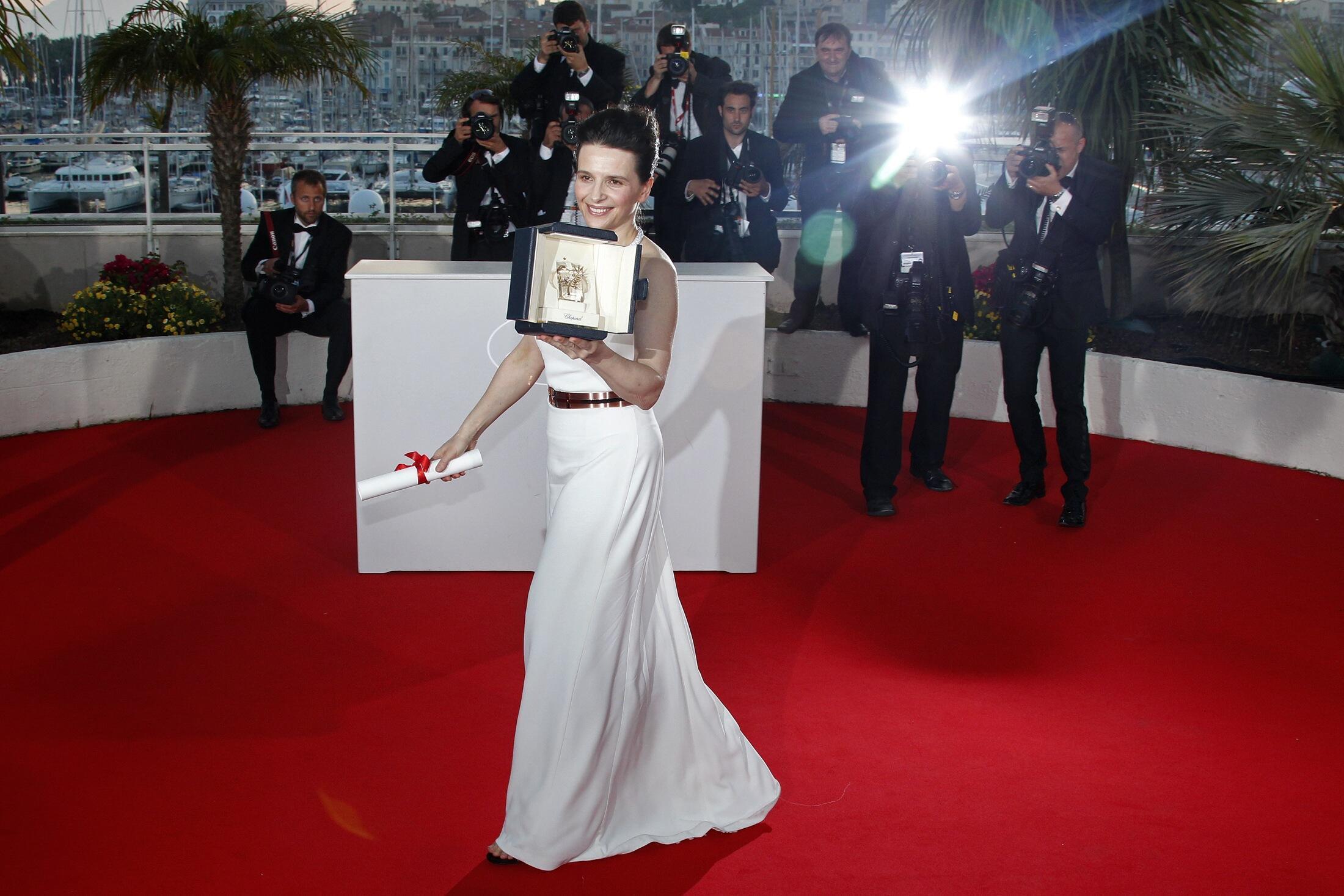 Жюльетт Бинош - лучшая актриса 63-го Каннского фестиваля.