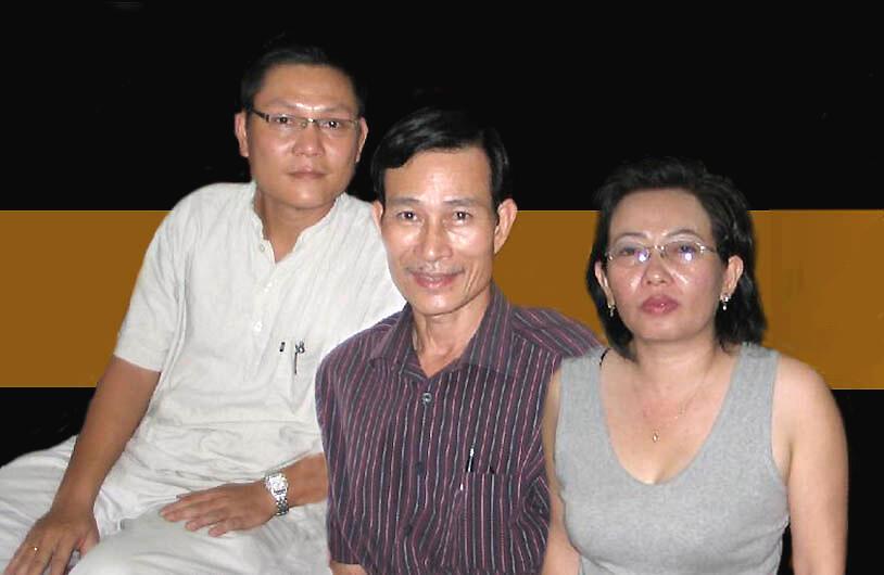 អ្នកសរសេរអត្ថបទតាមអ៊ីធ័រណែតវៀតណាមដែលជាអ្នកប្រឆាំងទាំងបីនាក់លោក Nguyen Van Hai ឬ Điếu Cày និង Phan Thanh Hai និងលោកស្រីTạ Phong Tần