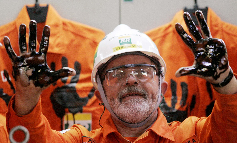 O presidente Lula, durante uma inauguração da Petrobrás.