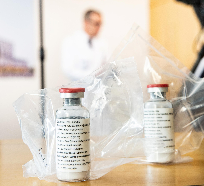 Ремдесивир (remdesivir) разработан американской биофармацевтической компанией Gilead Sciences в 2015 году
