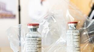 Duas pesquisas divulgadas nesta semana atribuem resultados contrários ao uso do antiviral Remdesivir no tratamanto da Covid-19.