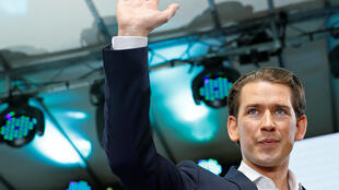 """""""سباستین کورتز"""" صدراعظم اتریش، در محل حزب تحت رهبریاش، حزب  """"محافظه کار"""" (ÖVP)  . یکشنبه ۵ خرداد/ ٢۶ مه ٢٠۱٩"""