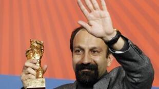 Asghar Farhadi receives the Golden Bear award at the Berlin International Film Festival in 2011