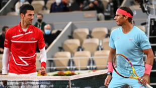Novak Djokovic et Rafael Nadal lors de la finale de Roland-Garros, le 11 octobre 2020 à Paris.