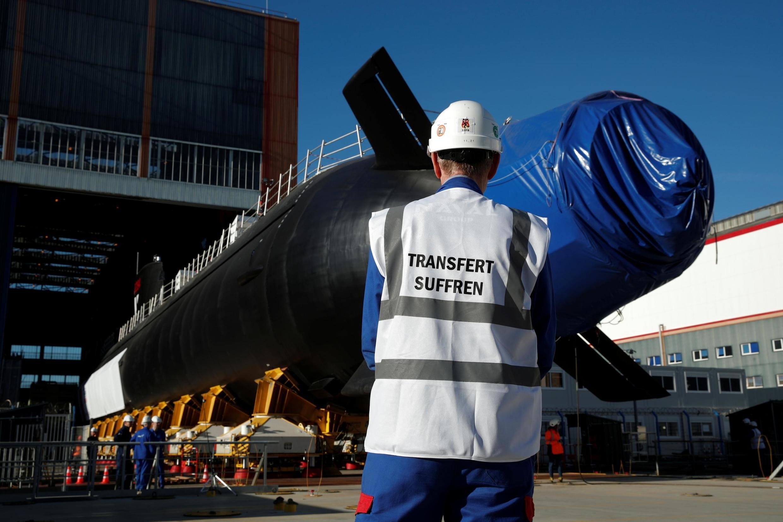Dans les chantier du constructeur de sous-marins Naval Group à Cherbourg, le 5 juillet 2019.