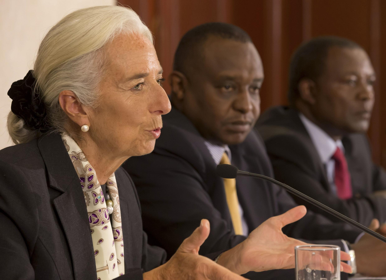 A chefe do FMI Christine Lagarde, à esquerda, durante sua passagem por Nairóbi.