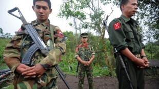 Lực lượng võ trang KIA của người Kachin tại Miến Điện.