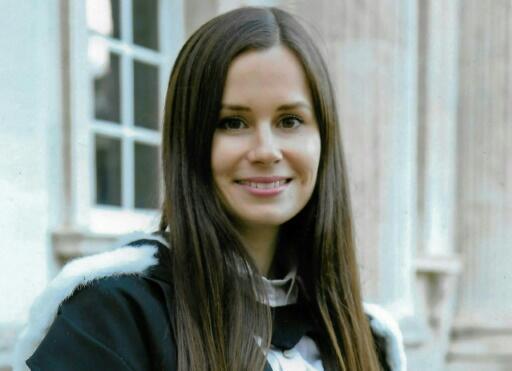 Kylie Moore-Gilbert, profesora de la Universidad de Melbourne especialista en política de Oriente Medio, en una foto sin fecha publicada por su familia a través del Ministerio de Exteriores australiano