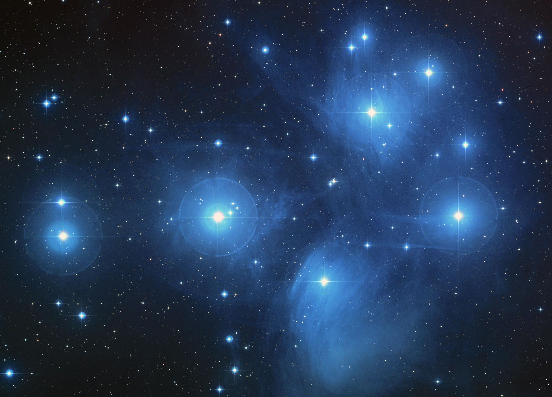Pleiades_hubble