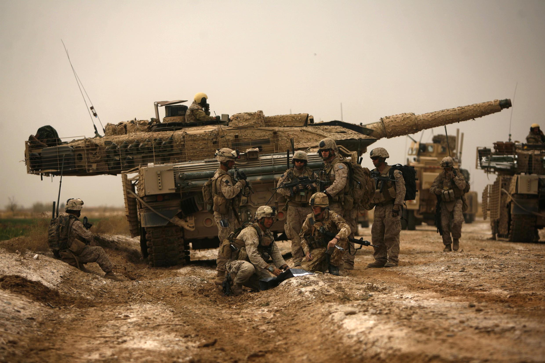 Un char Leopard en opération sous les couleurs britanniques en Afghanistan, en 2010.