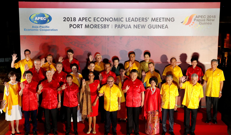Lãnh đạo các nước tham dự thượng đỉnh APEC 2018 tại Papua New Guinea chụp ảnh chung, ngày 17/11/2018.