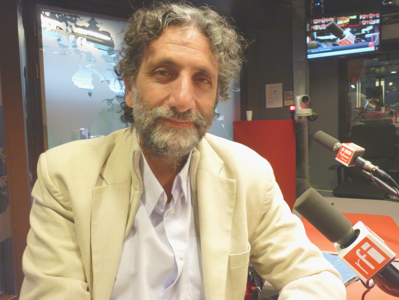 Jorge Sad Levi en los estudios de RFI.