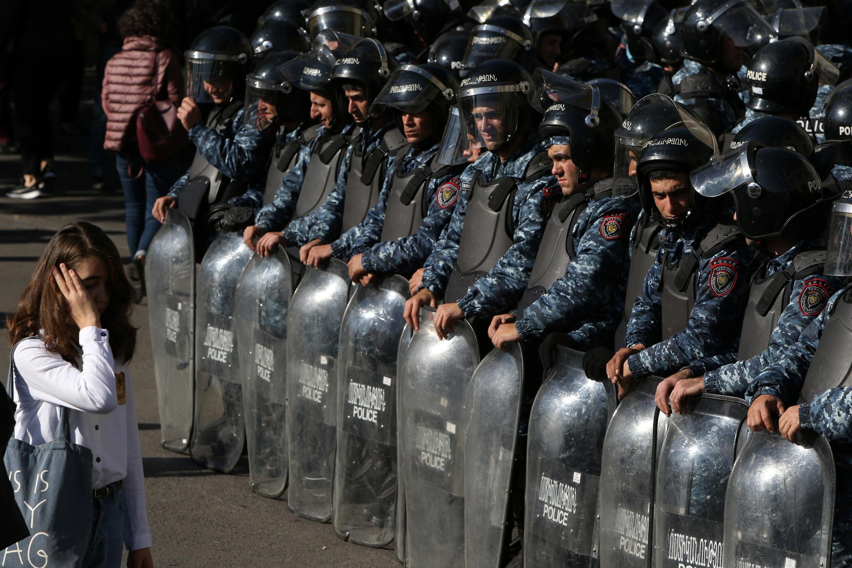 2020-11-11T111354Z_1929217159_RC2Z0K9TY5PL_RTRMADP_3_ARMENIA-AZERBAIJAN-PROTESTS