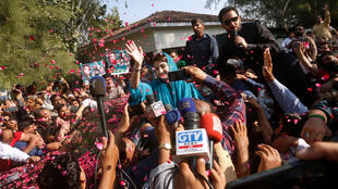 Maryam Nawaz, organisatrice de la manifestation à Gujranwala et leader de l'opposition, s'apprêtant a participé à une autre manifestation à Lahore, ce vendredi 16 octobre 2020.