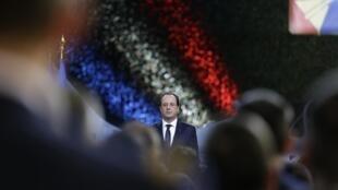Новогодние поздравления Франсуа Олланда французской армии 08/01/2014 (архив)