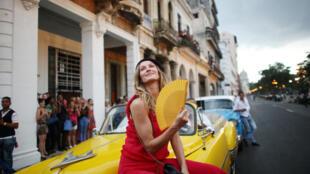La modelo brasileña Gisele Buchen, antes del desfile de Karl Kargerfeld para Chanel en el Paseo del Prado, en la La Habana, Cuba, el 3 de mayo de 2016.