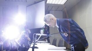 Cựu Chủ tịch Hội Đồng Quản Trị Tepco, Tsunehisa Katsumata, trong một cuộc họp báo.