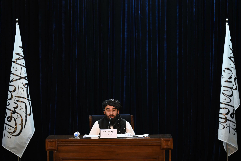 El portavoz de los talibanes, Zabihullah Mujahid, en una rueda de prensa en Kabul, Afganistán, el 7 de septiembre de 2021