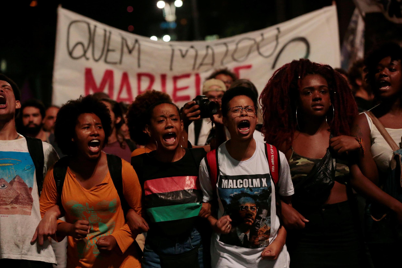 Milhares de pessoas protestaram em São Paulo contra o assassinato da vereadora no Rio