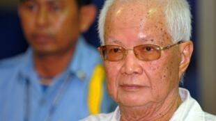 Ancien président khmer rouge, Khieu Samphan, en juillet 2009 devant le Tribunal spécial pour le Cambodge, à Phnom Penh.