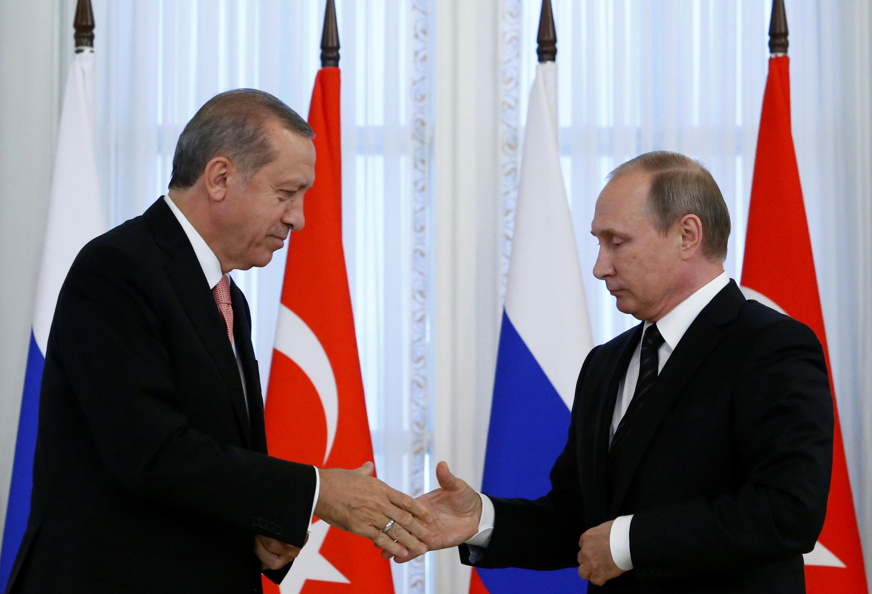 El presidente turco Erdogan y el presidente ruso Putin, el 9 de agosto del 2016.
