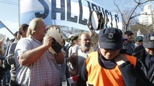 Manifestation de fermiers contre la nouvelle taxe voulue par le gouvernement argentin, le 31 mai 2012 à La Plata.