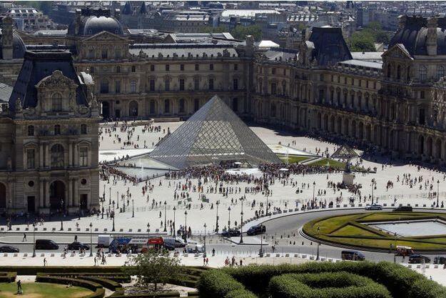 Mùa hè 2019, Paris có nhiều chương trình chiếu phim ngoài trời : Moulin Rouge, La Villette và bảo tàng Louvre.