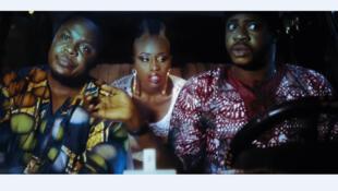 « Taxi Driver » (Oko Ashewo), réalisé par Daniel Oriahi. Adigun est un mécanicien de 31 ans qui se rend à Lagos pour la première fois pour y reprendre le taxi de son père décédé.
