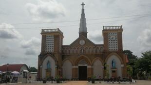 la cathédrale sacré-coeur de Brazzaville n'ouvre plus ses portes aux fidèles depuis le 18 mars 2020