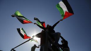 Mais de 1.000 prisioneiros palestinianos iniciaram hoje uma greve de fome com data ilimitada. É a mais importante desde há 20 anos.