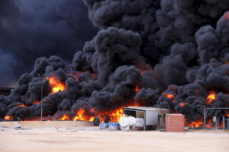 21.01.2016 Атака террористической группировки ИГИЛ на нефтяной терминал Рас-Лануф на северо-востоке Ливии